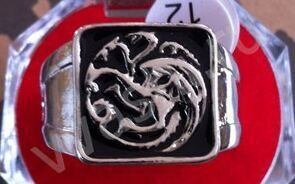 """GAME OF THRONES""/""ИГРА ПРЕСТОЛОВ"".  Game of Thrones Inspired  dragon sigil TARGARYEN DAENERY Ring A Song of Ice and Fire. КОЛЬЦО. ДИАМЕТР ОКОЛО 18 ММ.Дракон символ Targaryen daenery кольцо."